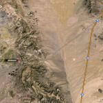 На картата се вижда стария участък на Път 66 през Аризона, който се отклонява от магистрала 40 и минава през Черните планини. С червена точка е отбелязано градчето Оутман. Снимка: Иван Бакалов
