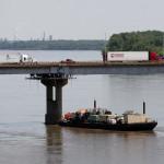 Поглед към новия мост на река Мисисипи от стария мост на Път 66 - Old Chain Of Rocks Bridge. Снимка: Иван Бакалов