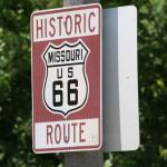 Табела до стария Път 66 край моста. Снимка: Иван Бакалов