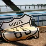 Пейка на стария мост на Път 66 край Сейнт Луис. По средата на моста е границата между щатите Илинойс и Мисури. Снимка: Иван Бакалов