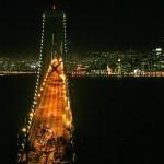 Бей Бридж от Окланд към Сан Франциско нощем. Снимка: Иван Бакалов